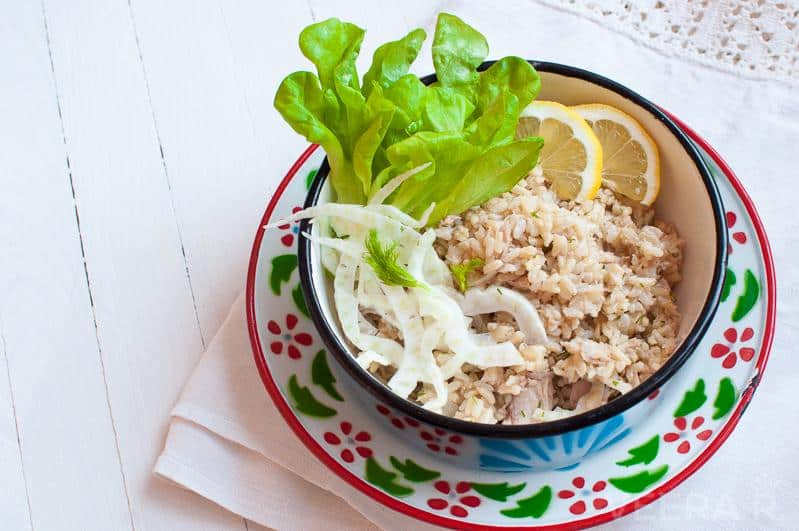 Tuna rice salad with fennel and lemon.