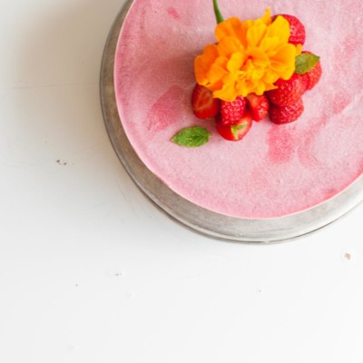 Raw Vegan Strawberry Cheese Cake