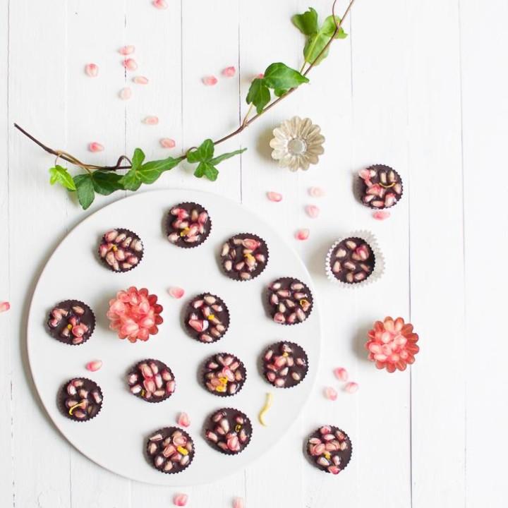 Terveellinen granaattiomenasuklaa | Sokeriton suklaa | Raakasuklaa