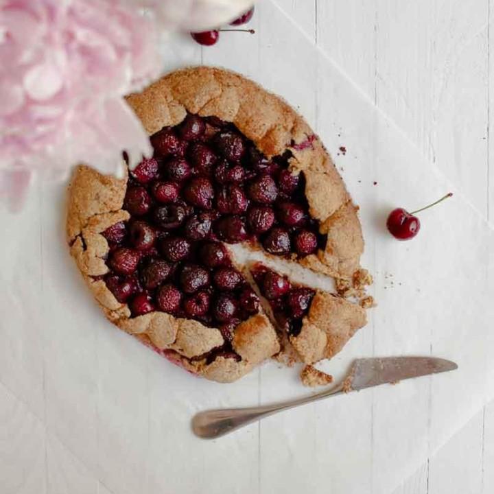 Kirsikkagalette | Sokeriton leivonta | Gluteeniton leivonta | Terveellinen resepti